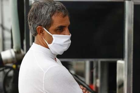Juan Pablo Montoya veste as cores da McLaren em 2021