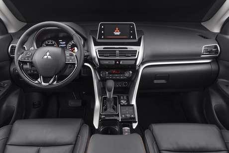Interior do Mitsubishi Eclipse Cross Sport: sofisticação.