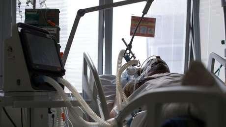 Em geral, a falta de ar é o principal motivo que leva pessoas com covid-19 a procurar atendimento médico
