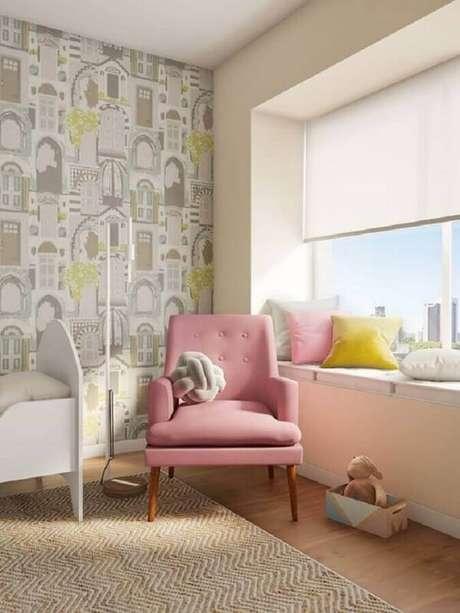 19. Quarto infantil decorado com poltrona pé palito rosa. Fonte: Pinterest
