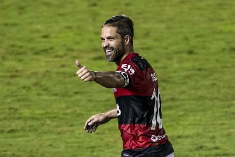 Diego marcou o 4º gol do Flamengo na partida (Foto: Marcelo Cortes/Flamengo)