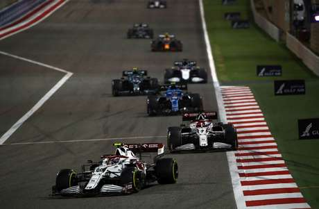 Antonio Giovinazzi andou frequentemente no ritmo de Alpine e Aston Martin no Bahrein