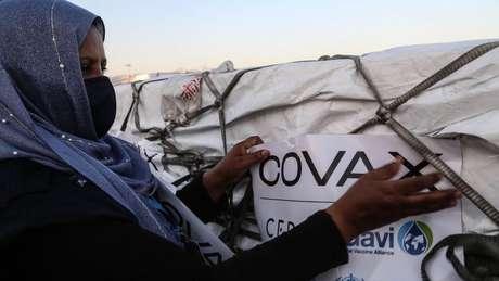Países africanos dependem fortemente da iniciativa de distribuição de vacinas Covax, da OMS