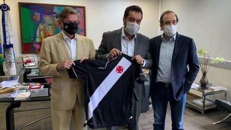Salgado e Cláudio Castro tiveram reunião sobre a licitação do Maracanã. Foto: Divulgação/Vasco