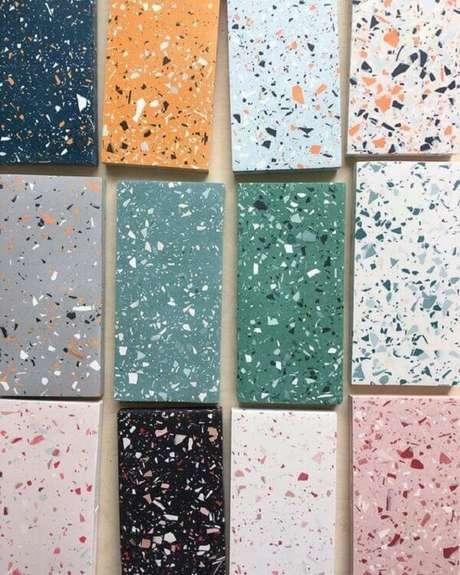 19. Piso colorido feito em granilite: escolha a cor e transforme seu projeto. Fonte: Pinterest