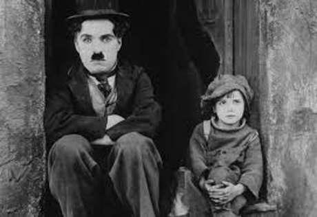 Charles Chaplin, retratado em 'Charlie Chaplin, Gênio da Liberdade', de Yves Jeuland