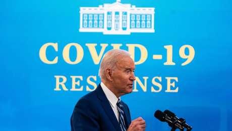 Joe Biden encarregou o governo federal do processo de vacinação em massa