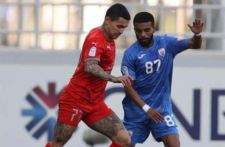 Dudu é titular e um dos principais jogadores do Al-Duhail (Foto: Divulgação/Al Duhail)