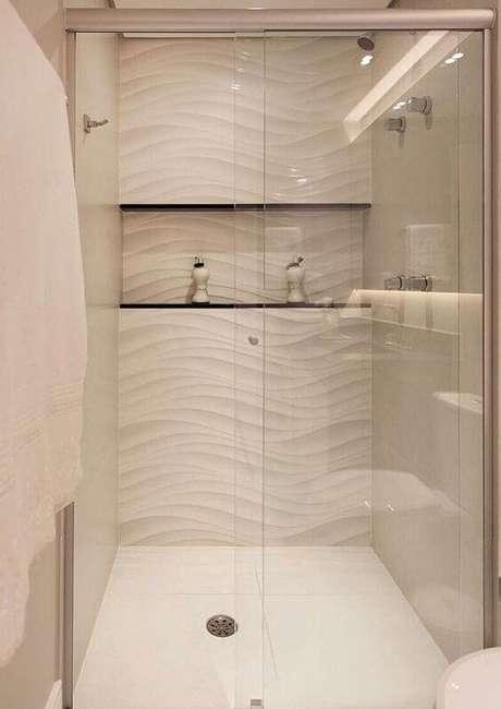 6. Azulejo 3D para banheiro branco moderno – Foto Dicas Decoraão