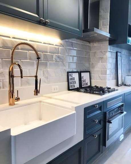 30. Azulejo 3D branco para cozinha moderna – Foto Pinterest