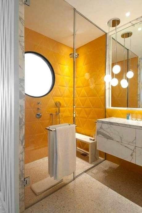 13. Azulejo 3D amarelo para banheiro – Foto Hardecor