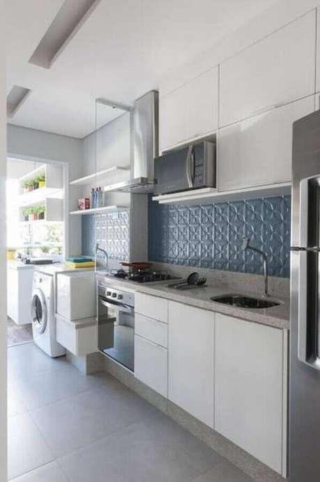 16. Decoração clean com armário branco e azulejo de cozinha 3D – Foto Pinterest