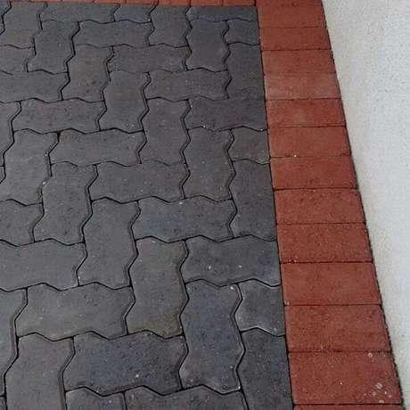 27. Os pisos coloridos intertravados garantem projetos fantásticos. Fonte: SR Pavimentadora