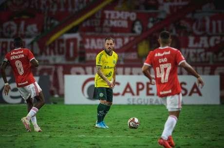 Zé Mário durante a partida realizada contra seu ex-clube no Beira-Rio (Imagem: Divulgação/atleta)