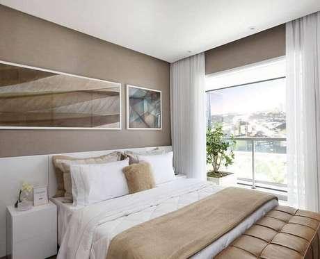 45. Quadros para decoração de quarto bege e branco – Foto: Histórias de Casa