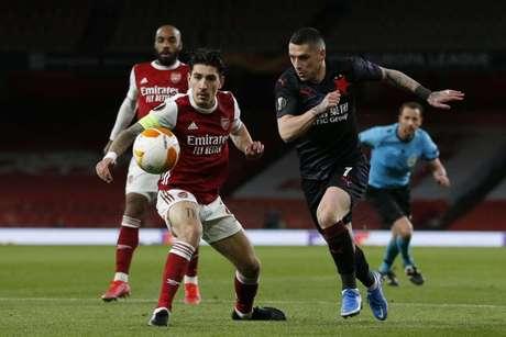 Arsenal vencia até o último minuto, mas levou gol de empate no apagar das luzes (Foto: IAN KINGTON / AFP)