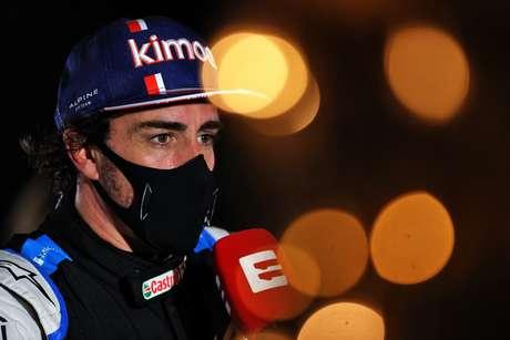 Fernando Alonso abandonou por conta de um problema inusitado em Sakhir