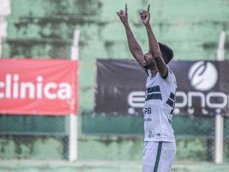 Atacante é cria do São Vicente, clube do litoral paulista (Divulgação/Coritiba)
