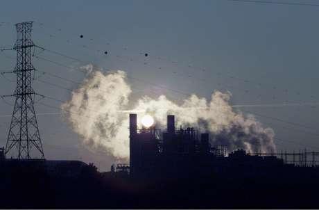 Usina termelétrica em Uruguaiana (RS)  18/05/2001 REUTERS/Paulo Whitaker
