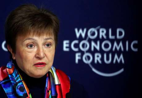 A diretora-gerente do FMI, Kristalina Georgieva, fala em entrevista coletiva antes do Fórum Econômico Mundial (WEF), em Davos, Suíça, 20 de janeiro de 2020. REUTERS/Denis Balibouse