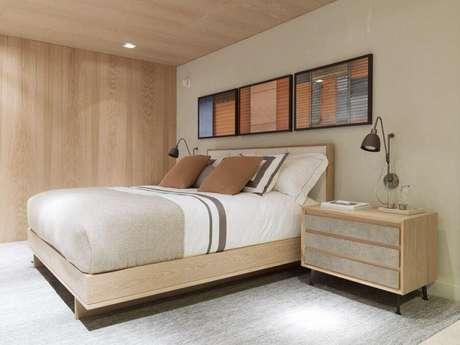 26. Móveis de madeira clara para decoração de quarto de casal bege – Foto: Triplex Arquitetura