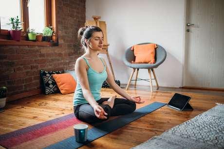 A melhor meditação para diminuir a ansiedade é voltada para a sua respiração