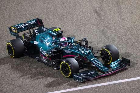 Sebastian Vettel foi apenas 15º no GP do Bahrein. Problemas na Aston Martin?