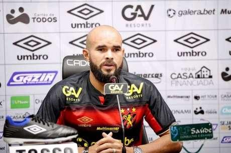 Meio-campista de 26 anos é cria da base do Vitória (Divulgação/Sport)