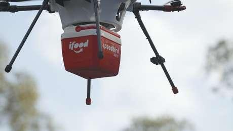 Drone operado pelo iFood para entrega de refeições. Divulgação/REUTERS.