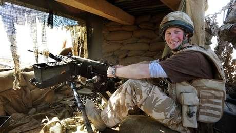 Servindo no Exército, o príncipe Harry foi para o Afeganistão