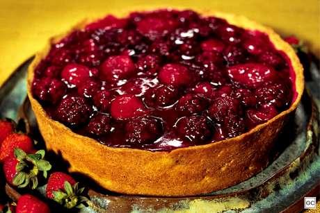 Torta com frutas vermelhas