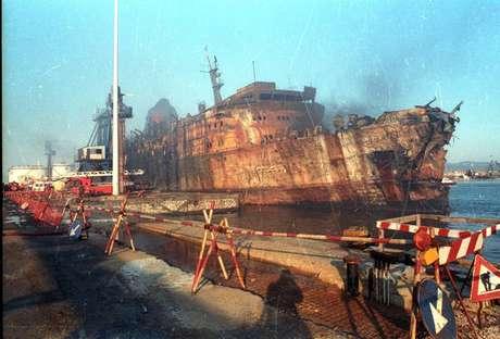 Desastre envolvendo o navio 'Moby Prince' deixou 140 mortos