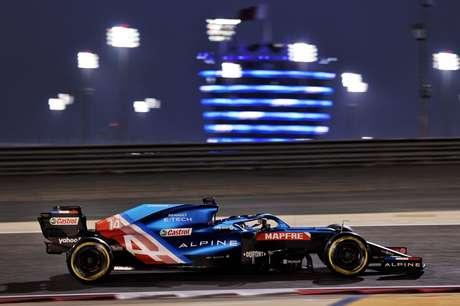 Alonso foi apenas 15º na sexta-feira