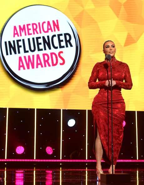 A popularidade de algumas das celebridades mais famosas, como Kim Kardashian, é exagerada pela equação do influenciador, diz Sumpter