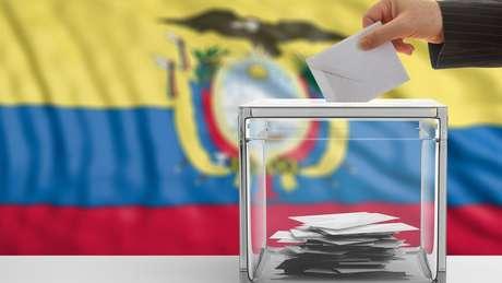 Desgaste político dos líderes atuais no Equador e no Peru é um fator de peso desta eleição, afirmam analistas e observadores ouvidos pela BBC News Brasil