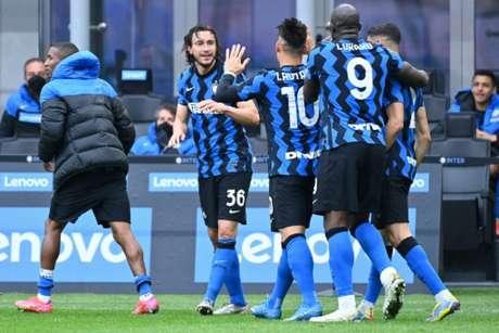 Darmian foi o herói improvável da vitória da Inter sobre o Cagliari (ALBERTO PIZZOLI / AFP)