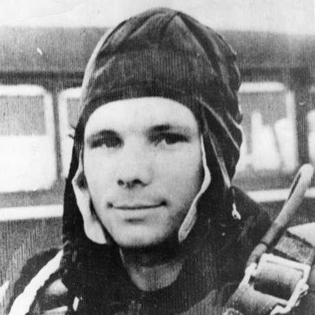 Aos 27 anos, Gagarin aceitou o desafio de viajar para o espaço
