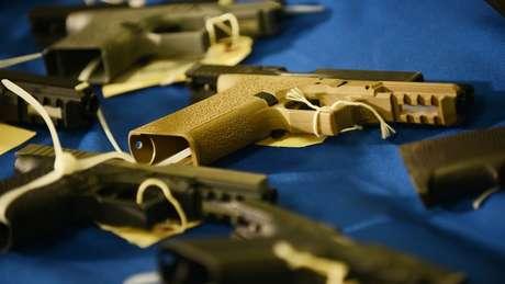 """""""Armas fantasmas"""" são difíceis de se rastrear e burlam precauções como checagem de antecedentes criminais"""