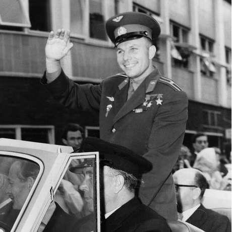 Gagarin se tornou um herói nacional soviético após êxito de sua missão