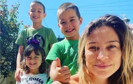 Luana Piovani e os filhos Dom, Liz e Bem