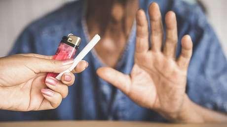 'Não estamos dizendo: 'Então não se preocupe se você é fumante, contanto que não seja sedentário', ressalva a especialista de Harvard