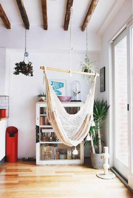 12. A cadeira de rede traz aconchego para os moradores dessa residência. Fonte: Pinterest