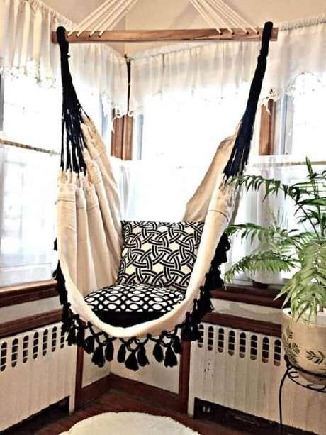 35. Modelo de rede cadeira com tramas em tom preto e branco. Fonte: Pinterest