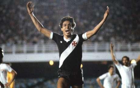 Roberto Dinamite é um dos maiores atacantes da história do Vasco (Divulgação / CBF)
