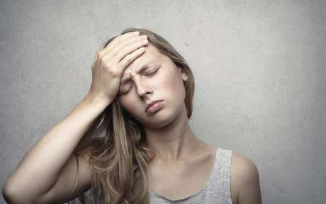 Entenda melhor os sintomas e efeitos - Foto de Andrea Piacquadio no Pexels