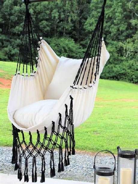 36. Modelo de rede cadeira com tramas pretas. Fonte: Etsy