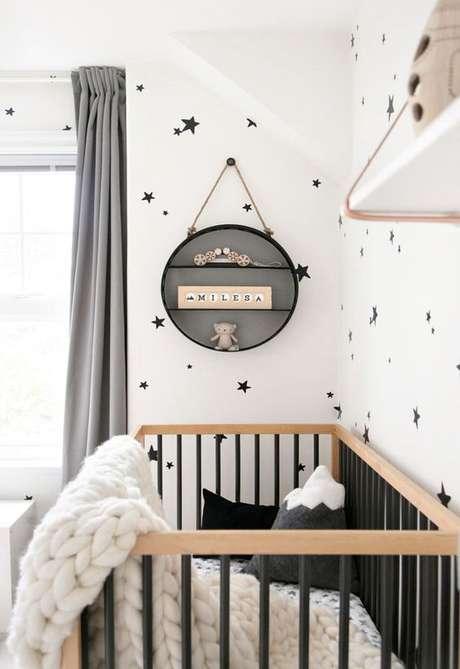 41. Decoração para quarto de bebe retro preto e branco – Foto Winter Daisy