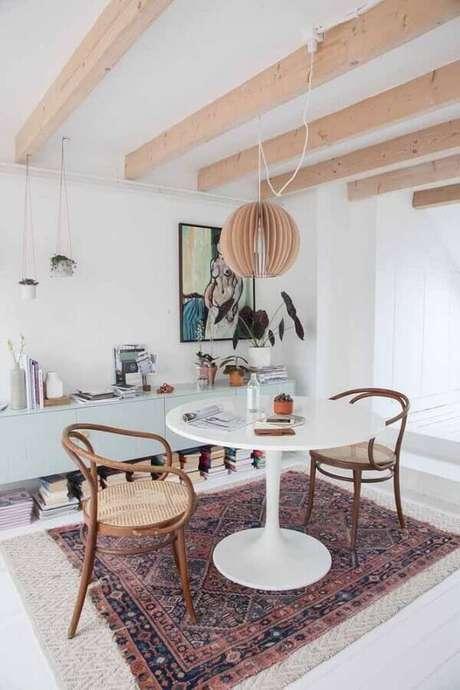 64. Modelos de tapetes para decoração de sala de jantar simples – Foto: Home Fashion Trend