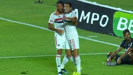 São Paulo venceu o Red Bull Bragantino com gol contra de Léo Ortiz (Foto: Reprodução / Sportv)