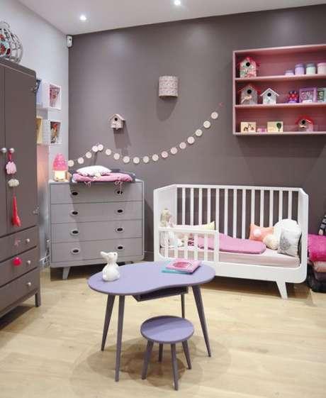 44. Quarto de bebe cinza e branco – Foto Pinterest